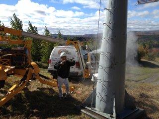 Préparation de la surface de pylône et enseigne (Saint-Augustin-de-Desmaures)