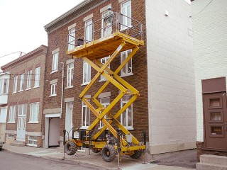 Peinture de corniche d' immeuble