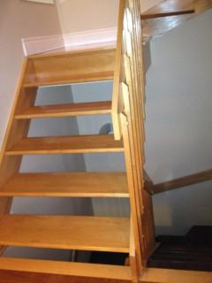 Escalier  Vernis Qc (9).JPG