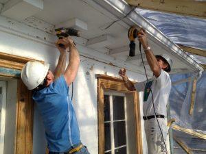 Rénovation corniche en bois