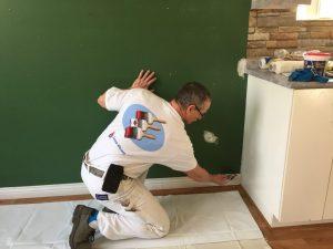 Peinture intérieure - Protection du plancher avec toile