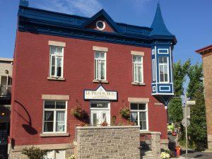 Peinture corniche commercial Québec - Pignon Bleu