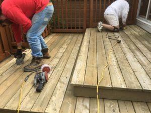 Préparation de surface de patio