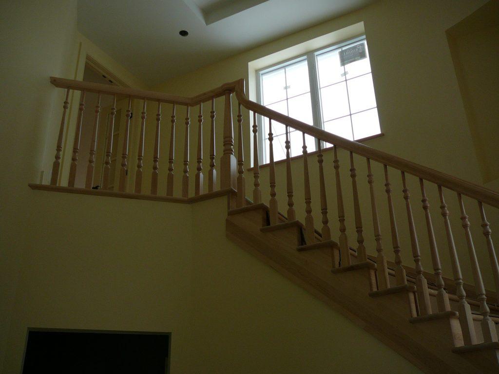 d capage teinture et vernis d 39 escalier. Black Bedroom Furniture Sets. Home Design Ideas