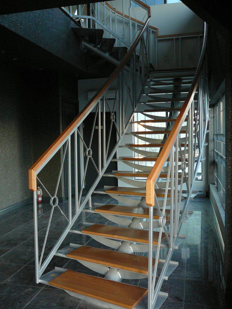 Peinture escalier fer forg int rieur for Peindre fer forge