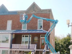 Équipement de levage - Réparation peinture corniche commerciale