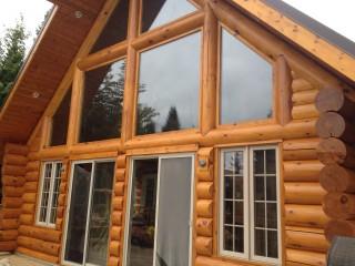 D capage et teinture de maison en bois rond - Peinture bois sur fer ...